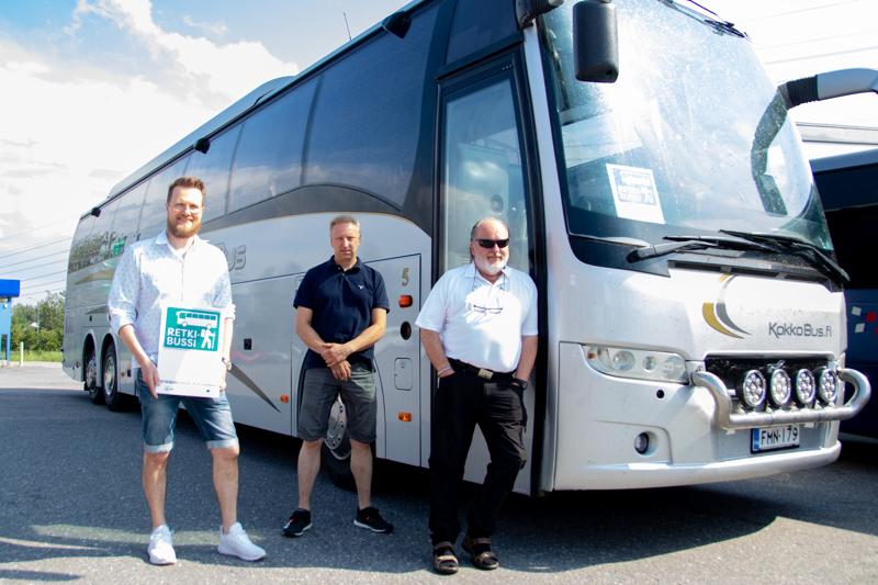Kosekin projektipäällikkö sekä yrityskehittäjä Janne Vähäkangas kertoo, että hankkeseen on tarkoitus osallistaa koko Keski-Pohjanmaan alueen yrittäjiä. Bussivuoroja ovat ajamassa Jan-Erik Thylin sekä Stefan Thylin.