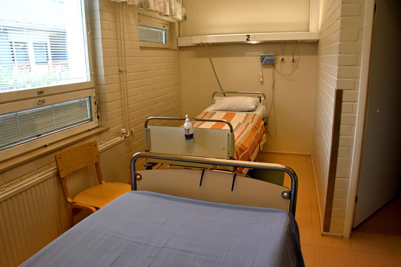 Arviointi- ja kuntoutusyksikössä oli keskiviikkona puolilta päivin pari petipaikkaa vapaana, mutta vain hetkellisesti. Kumpaankin odotettiin iltapäivän aikana potilasta.