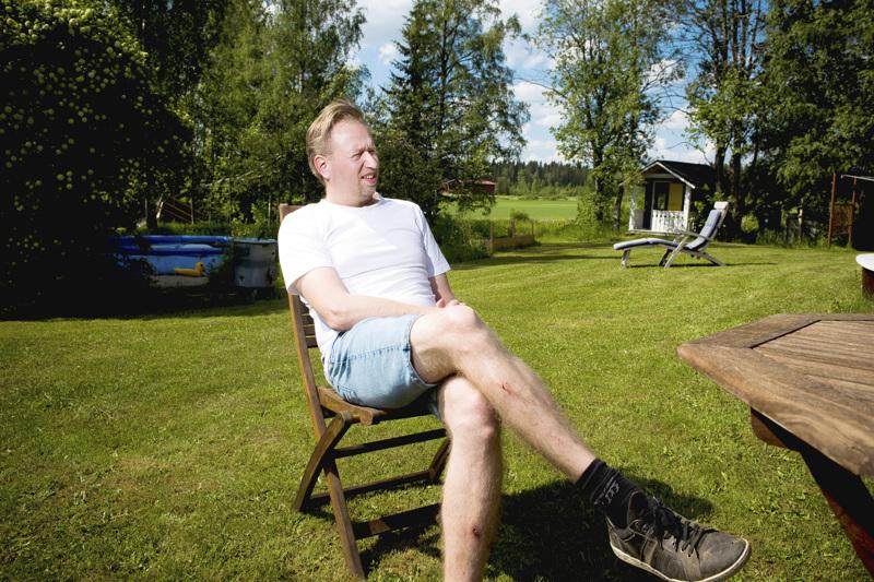 Markus Ahokangas nostaa lempikirjailijoikseen Italo Calvinon ja Jean Echenozin. Suomalaisista kirjailijoista miehen esikuvia ovat muun muassa Pentti Haanpään tyyppiset kirjailijat.