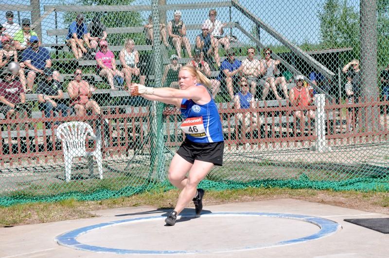 Krista Tervo otti Nikulan kenttäennätyksen haltuunsa. Edellinen ennätys oli Silja Kososen talvella heittämä 72,44.