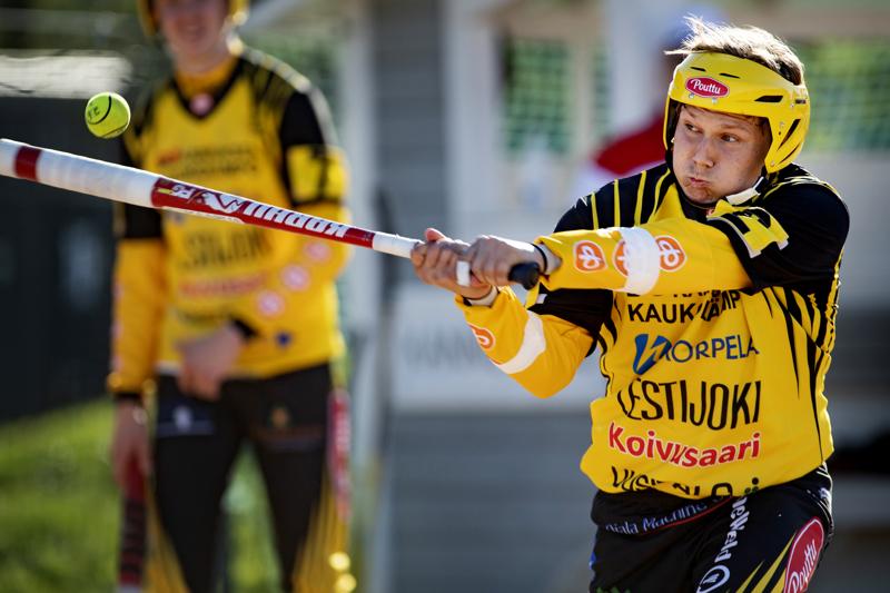 Kannuksen Uran kakkospalkinnon pokannut Aappo Savikoski takoi Simon Kiriä vastaan peräti 12 kärkilyöntipistettä.