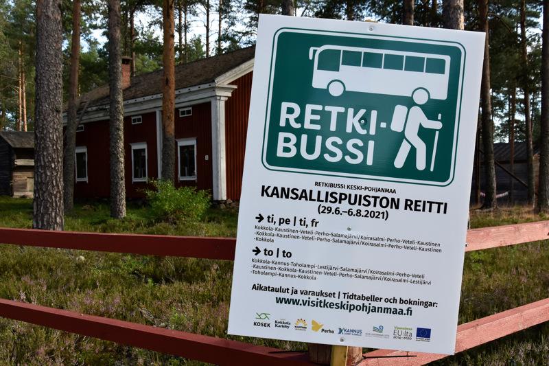 Retkeilemään! Retkibussi kuljettaa torstaisin Kannuksen, Toholammin ja Lestijärven kautta Salamajärven kansallispuistoon.