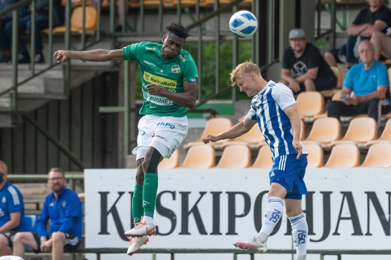 Stanley Amuzie pelasi parhaan ottelunssa vihreässä paidassa, kun KPV kohtasi HJK Klubi 04:n viikonloppuna.