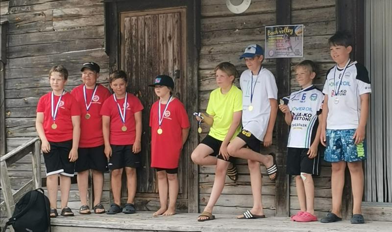 U12-sarjan palkintojenjako. Vasemmalta Roiman mitalisteista Egor Chaykin, Miro Tuorila, Niilo Paananen ja Iida Sipi.
