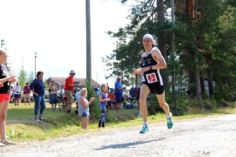 Marko Palohuhta kiersi Räyringinjärven tänä vuonna nopeiten, mutta reittiennätyksiä ei tänä vuonna rikottu.