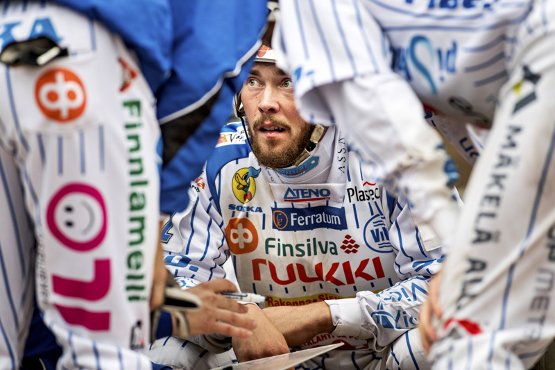 Komean uran Superpesiksessä tehnyt Mikko Kanala kertoi alkoholiongelmastaan ja aikoo lopettaa uransa.