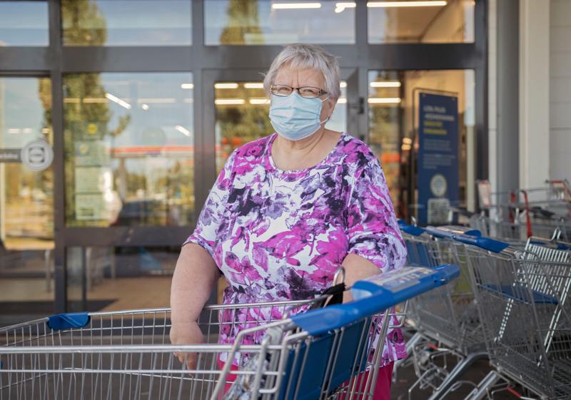 LEILA PARKKILA: Toisaalta kyllä uskaltaa, mutta pitää muistaa hygieniaohjeet ja järjen käyttö.