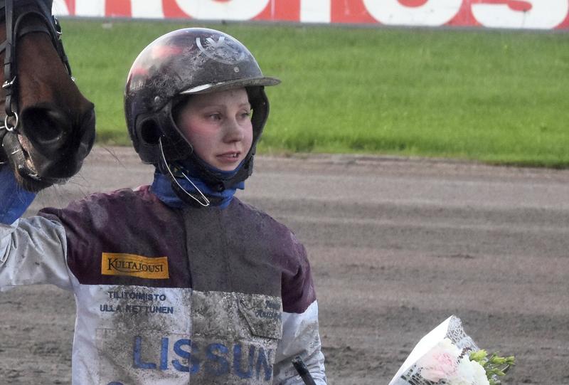 Janita Antti-Roiko ohjasti voittoon Tampereella.