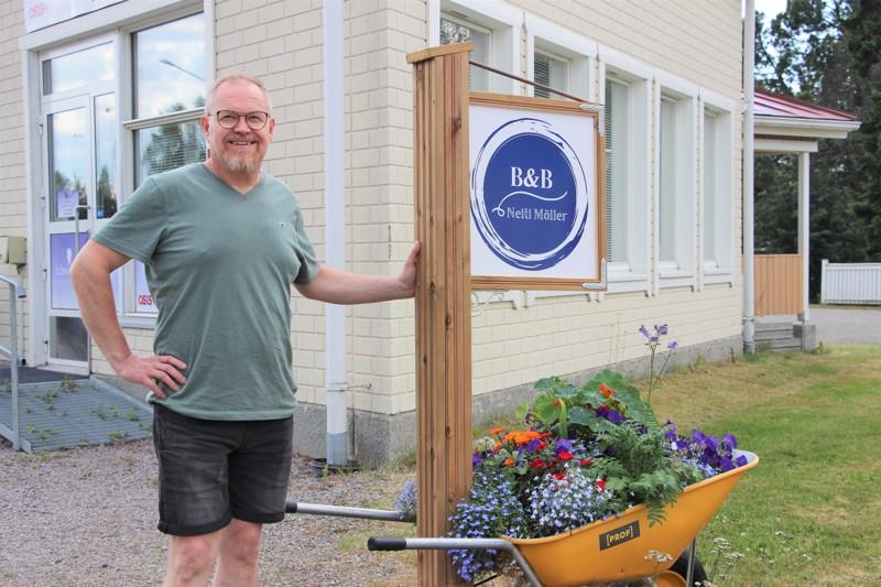 Majatalon isännöinti on erikoishammasteknikko Jarmo Piiponniemen ja hänen vaimonsa uusi aluevaltaus.