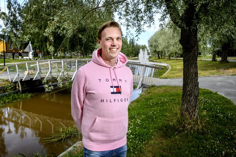 Muuramelainen tutkija Jani Kokko on kesälomallaan kiertänyt ympäri Suomen kaupunkeja, ja tänä viikonloppuna oli vuorossa Kokkola.