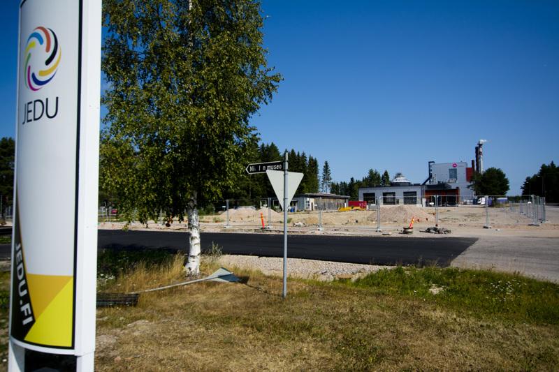 Aidatulle alueelle tulee parkkipaikoitus sekä linja-autojen kääntöpaikka.