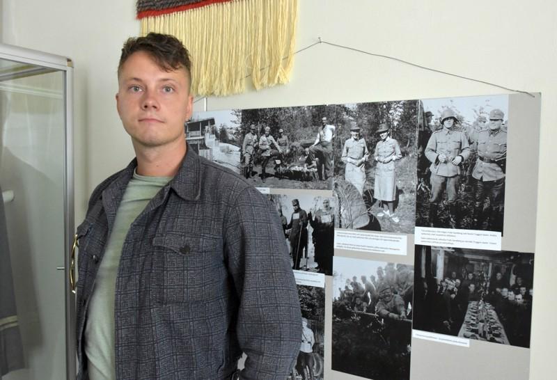 Sotahistorioitsija Joel Sjögren järjesti, että Tigerstedtin puvut päätyivät Pietarsaareen.