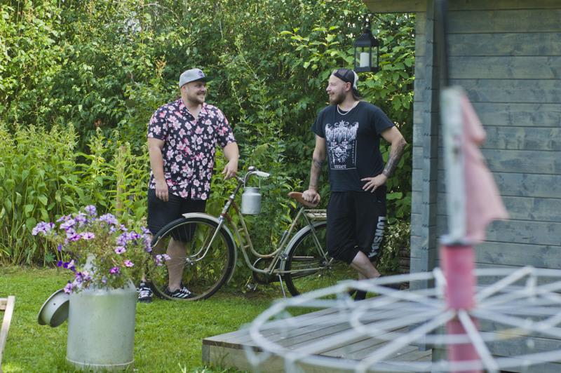 Big Brotherissa toisensa löytäneet Joel Jämsinen ja Arttu Liimatainen ensimmäistä kertaa yhdessä Nivalassa.