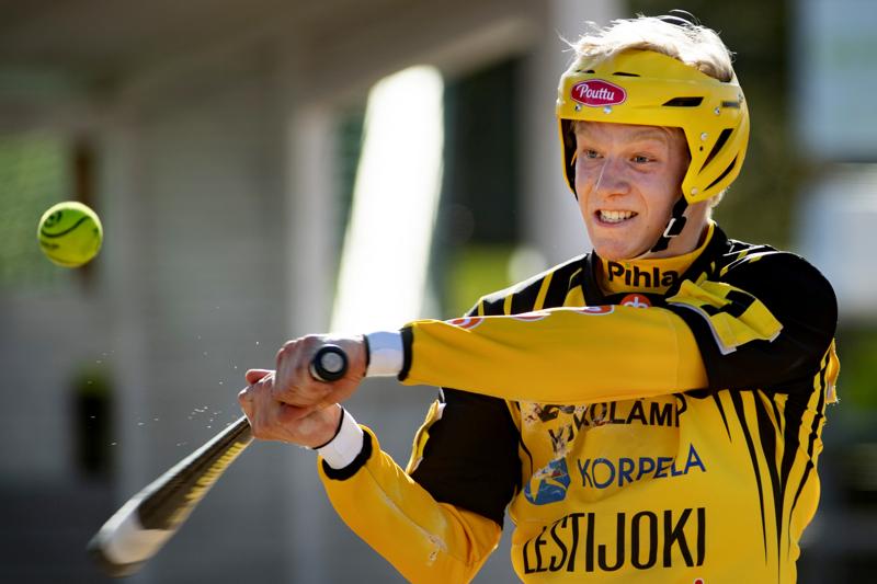 Severi Tikkakoski on ollut tällä kaudella tärkeässä roolissa Kannuksen Uran ykköspesismiehistössä.