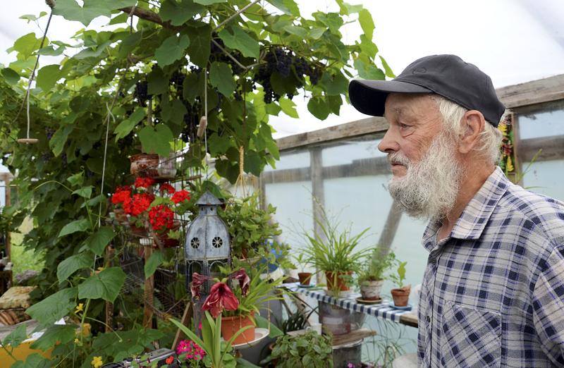 Aarne Juhonsalo on kirjannut sääilmiöt ylös jo pitkästi yli 60 vuoden ajalta kotitilallaan Oulaisten Ohinevalla.