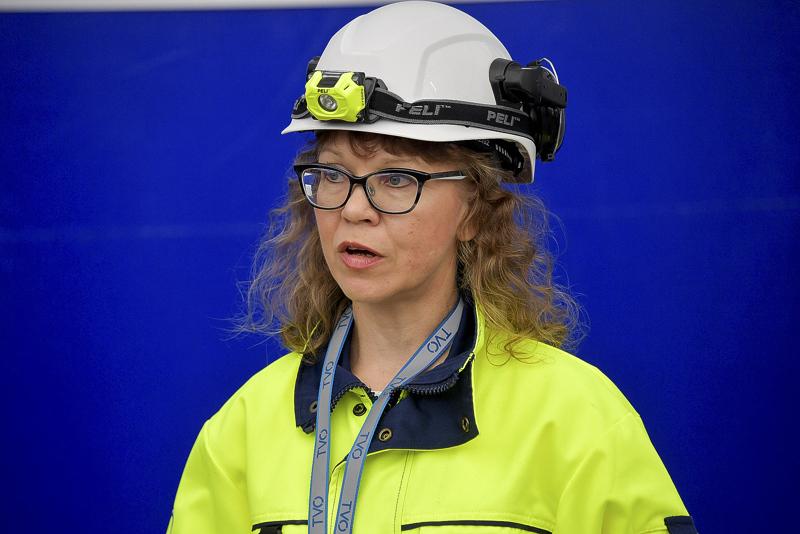 Teollisuuden Voiman tuotantojohtaja Marjo Mustonen kertoo, että TVO odottaa rauhassa tarkempia tietoja Taishanista.