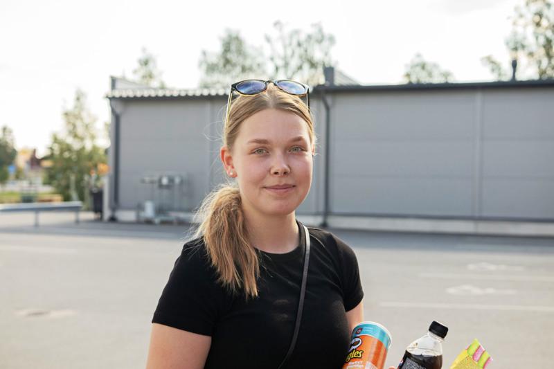 EVELIINA MALILA: Itse olen käynyt lukion ja mielestäni se antaa hyvän pohjan uravalintaan.