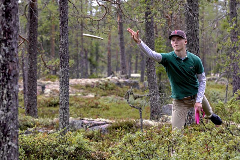 Aapeli Kärkölä sijoittui parhaana haapavetisenä lauantaina kisatussa frisbeegolfin Aakonvuori Open kisan Pro Open -luokan viidenneksi.