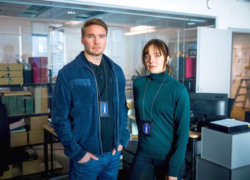 Murhat ratkeavat tämän taisteluparin käsittelyssä. Elena Leeven Maria Kallion ja Leo Honkosen Pekka Koivun kemiat kohdillaan.