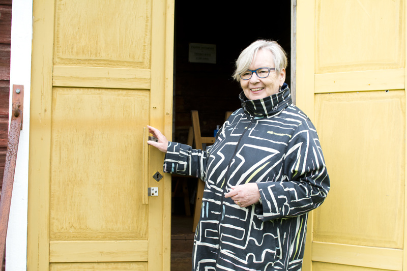 Hanna Järviluoma kiittelee aikaisempien sukupolvien tekemää kotiseututyötä ja toivoo sille jatkumoa seuraavienkin sukupolvien aikana.
