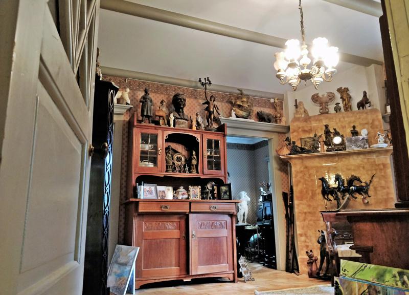 Sigridin sali huokuu historiaa ja tyyntä tunnelmaa. Sigrid Schauman käytti aikoinaan puolisonsa senaattori Arthur Castrénin ja jälkipolvensa kanssa  Villaa ahkerasti kesäpaikkanaan.