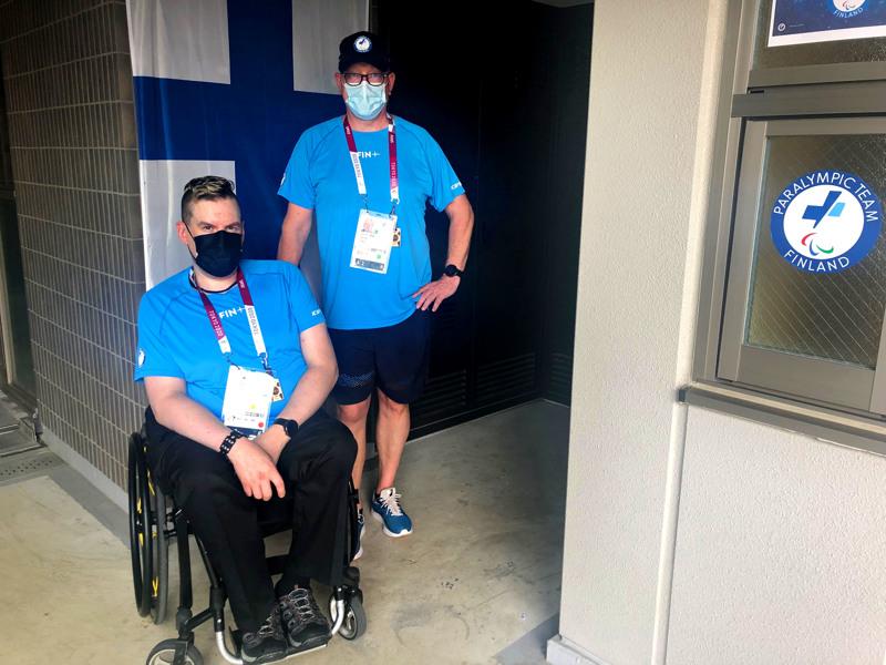 Jarkko Mylly ja valmentaja Timo Vaitiniemi matkustivat viime viikolla Tokioon sopeutumaan otosuhteisiin ja aikaeroon.