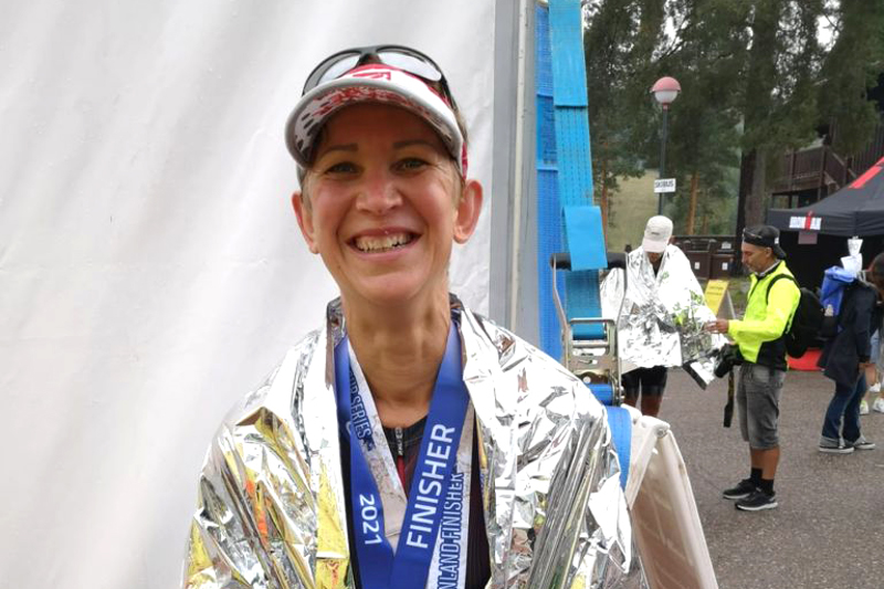 Katri Hautakangas selviytyi Tahkon triathlonilta pronssimitalin kera.
