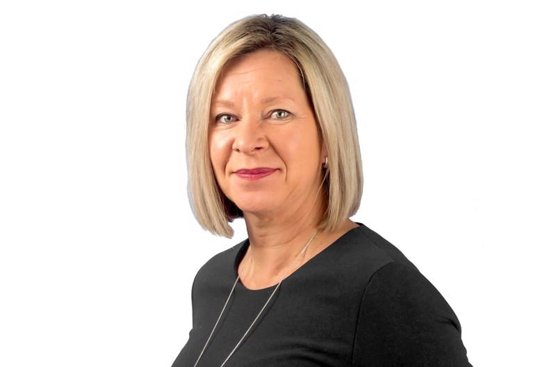 Unifin toiminnanjohtaja Tanja Risikko muistuttaa puheenvuorossaan, että tutkimuksesta leikkaaminen on aina väistämättä myös koulutusleikkaus.