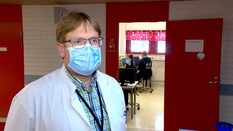 Yhteiskunnan avautuessa rajoituksista koronavirustartunnalta on vaikea välttyä, virus on selkeästi turvallisempaa kohdata rokotettuna , kertoo Marko Rahkonen.