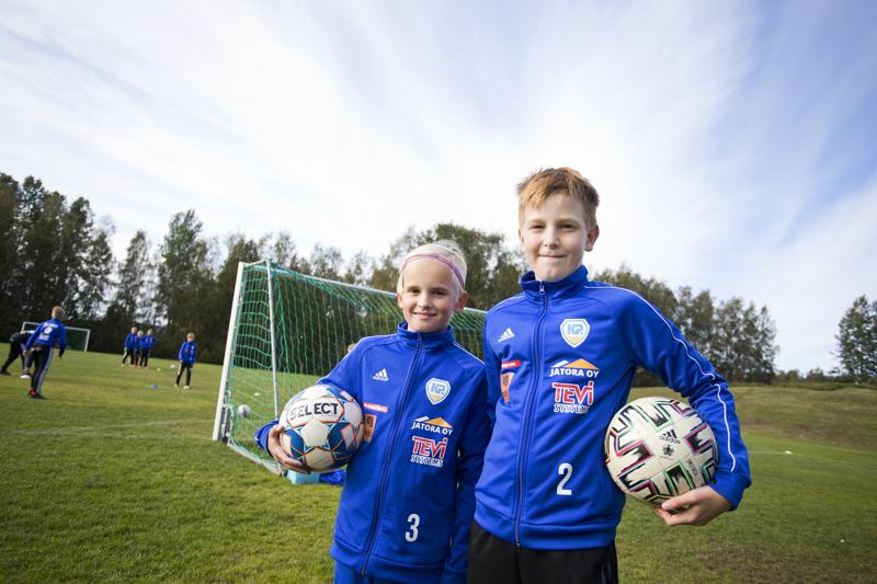 Alvar Sorvari ja Martti Märsylä haluavat ammattijalkapalloilijoiksi.