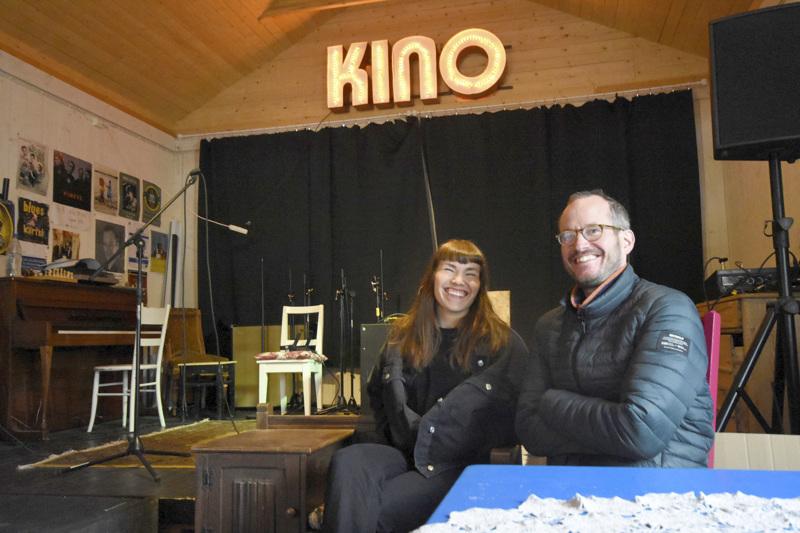 Laura Airola ja Juho Kuosmanen kertovat, että ensi vuoden teemamaa on jo selvillä, mutta se paljastetaan vasta festivaalin jälkeen.