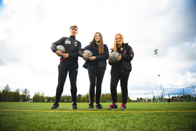 Viljami Niskanen, Saara Laurila ja Emilia Jaakonaho haluavat nähdä, mihin asti heidän valmentamansa juniorit vielä urallaan pääsevät.