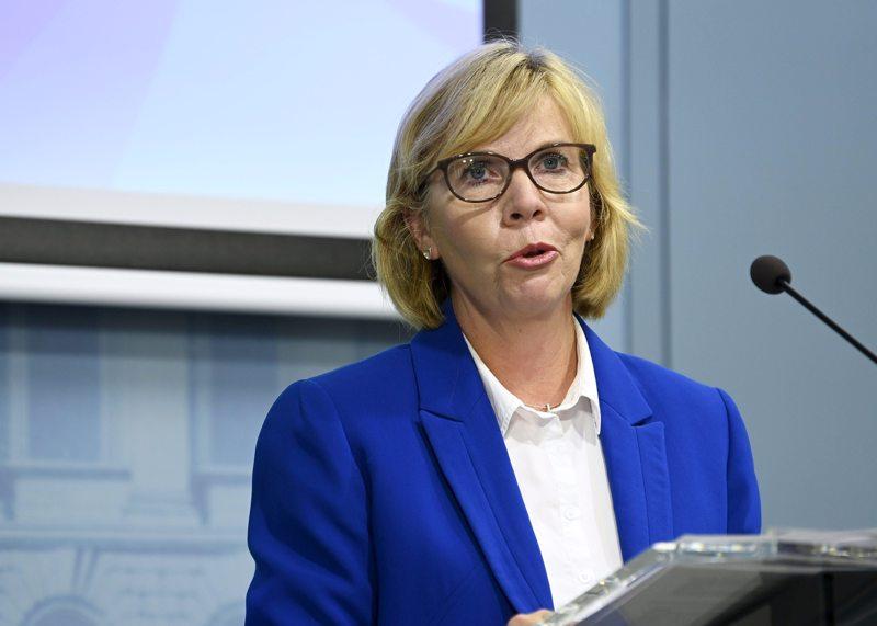 OIkeusministeri Anna-Maja Henrikssonin mukaan hallitus on yksimielinen siitä, että Kruunupyy saa jatkossakin hoitonsa Keski-Pohjanmaalta.