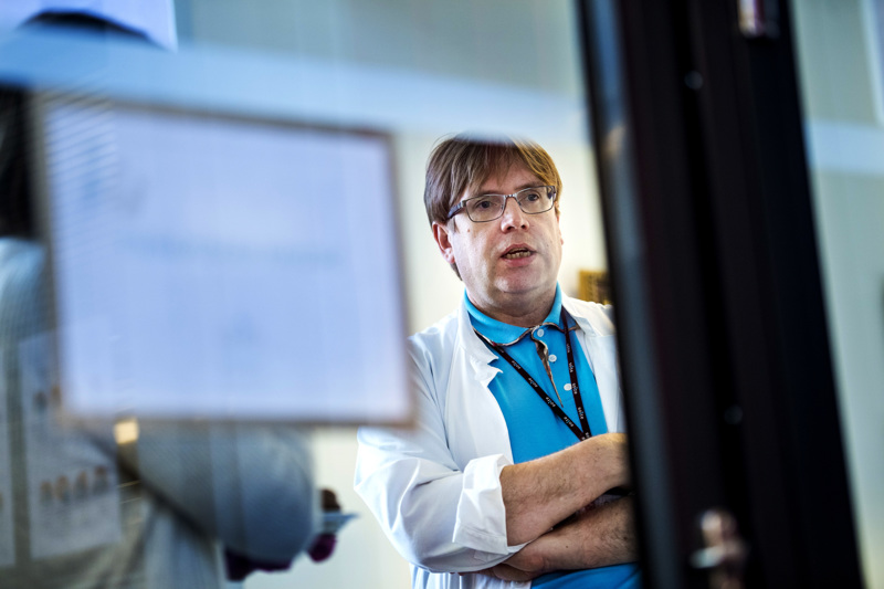 Soiten infektioylilääkäri Marko Rahkonen ennustaa, että paluu normaaliin on odotettavissa, kun koronatoimia puretaan.