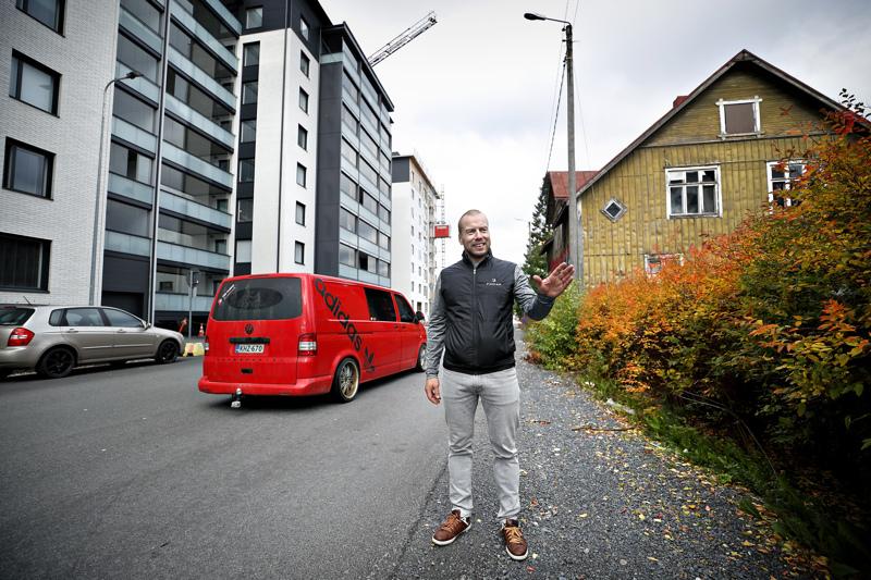 Toni Sivula isännöi äskettäin valmistunutta Jerikon Vaatturia Seinäjoella. Siinä pelastus- ja turvallisuusasiat on otettu hyvin huomioon jo siinä vaiheessa, kun rakennus luovutettiin käyttöön.