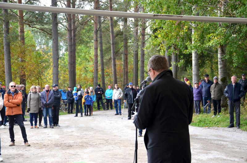 Elinkeinoministeri Mika Lintilä piti juhlapuheen padolla. Sata vuotta sitten juhlapuheen piti samassa paikassa ministeri Kyösti Kallio.