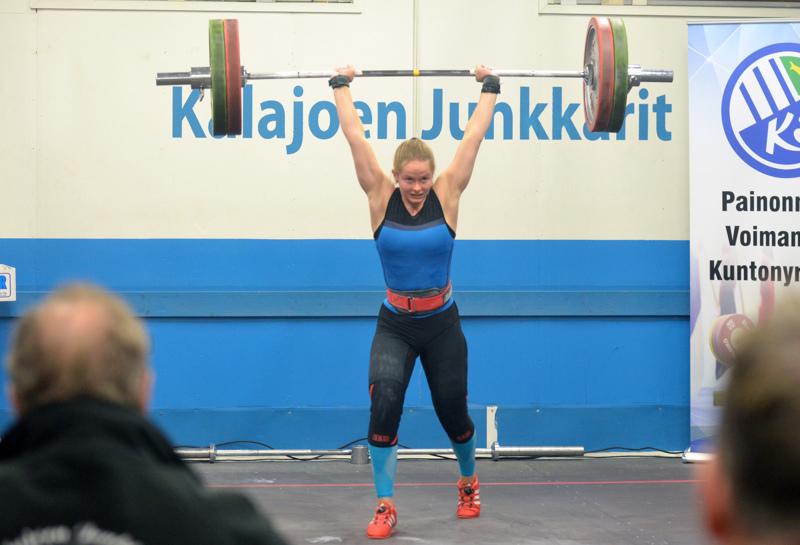 Siri Sytelä on vireessä ennen nuorten EM-kisoja. Työnnön 90 kiloa sivusi Sytelän ennätystä.