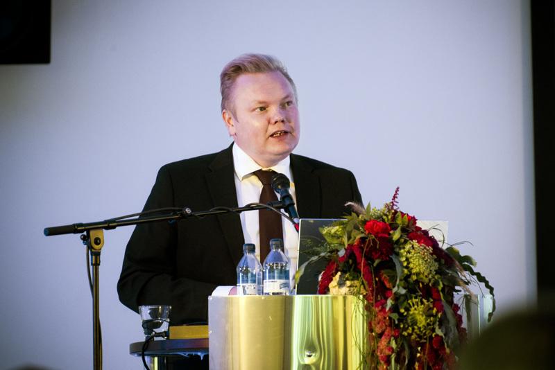 Tiede- ja kulttuuriministeri Antti Kurvinen (kesk.) piti tärkeänä, että Kerttu Saalasti Instituutin mikroyrittäjyyden koulutus- ja tutkimusohjelmalle löytyy rahoitusta jatkossakin.