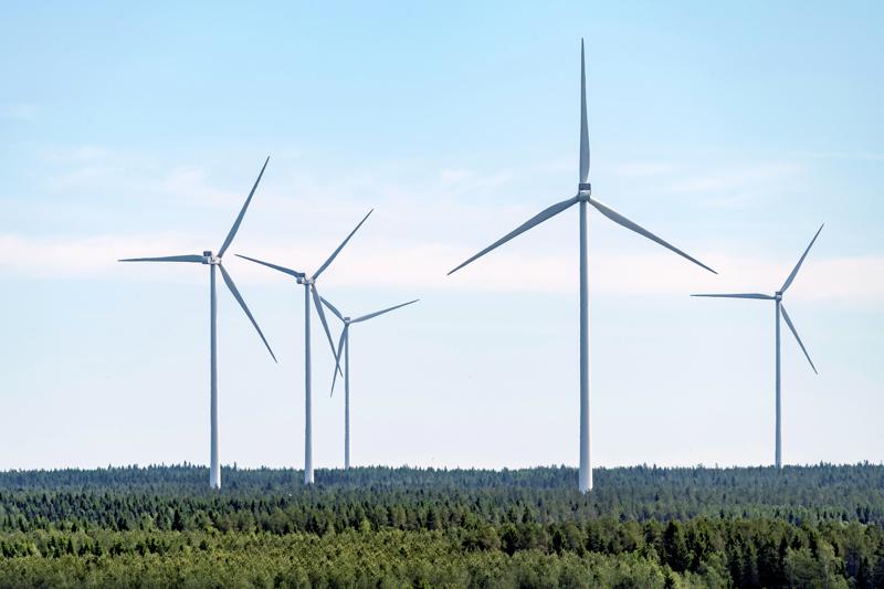 Kahdeksan voimalan tuulipuisto. Suunnitelmien mukaan sähköt, tiet ja perustukset valmistuvat heinäkuussa 2022 ja tuulipuisto alkaa tuottaa sähköä loppuvuodesta 2022.