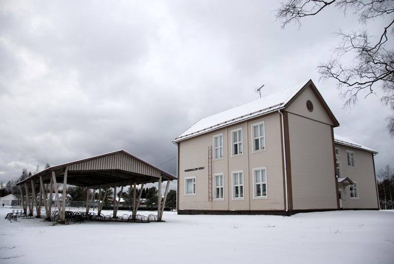 Vuorenkallion koululle on sijoitettu ensimmäisen luokan oppilaita, sillä kaikki uudet koululaiset eivät mahtuneet uuden yhtenäiskoulun tiloihin.