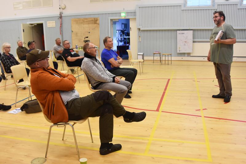 Siikaverkko-osuuskunta on esitellyt valokuituhanketta Haapaveden kylillä syksyn ajan. Nyt kiertue on lopuillaan ja kyläläisten toivotaan tekevän päätöksiä liittymien hankinnoista.