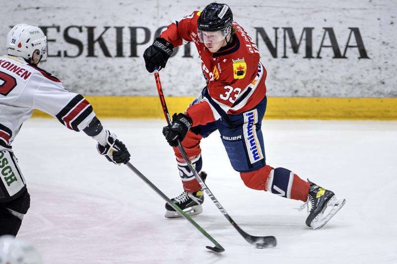 Eemeli Takala teki voittomaaliksi jääneen Hermeksen kolmannen osuman.