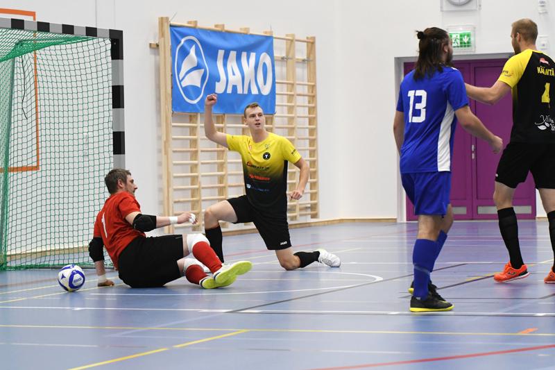 Aleksi Kylmälä viimeisteli ottelun voittomaalin ensimmäisellä jaksolla.