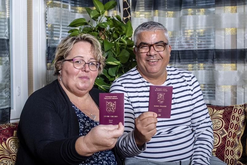 Pirjo ja Samir Ressam ovat olleet naimisissa vuodesta 1998 lähtien. Matkustaminen on heille yhteinen harrastus, samoin matkaohjelmien katsominen ja uusien matkojen suunnitteleminen.