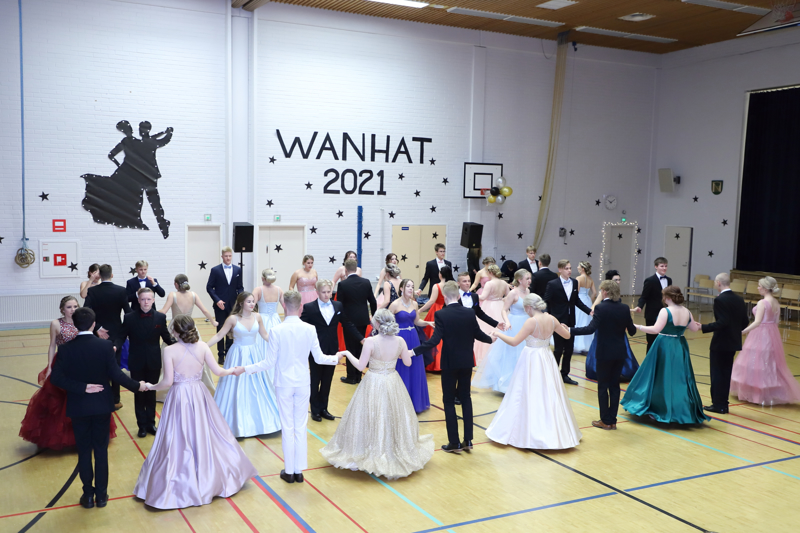 Erilaiset tanssityylit vanhojen tansseissa ovat vaatineet paljon sisäistämistä, mutta lopputulos oli onnistunut.