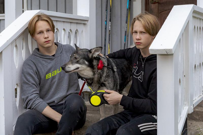 Jalo ja Juho Riuttaselle metsästys ja kalastus ovat vastapainoa koululle ja jääkiekolle.
