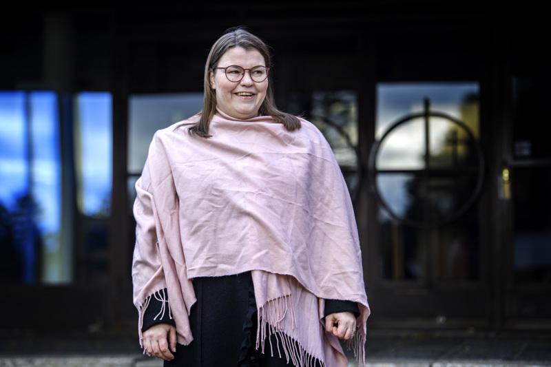 Kokkolan suomalaisen seurakuntaneuvoston tuore päätös hyväksyä Emilia Teerikankaan oikaisuvaatimus ja lopettaa prosessi yllätti seurakuntapastorin iloisesti.