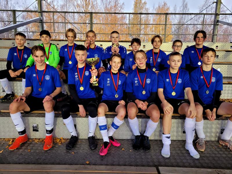 FC Folkin 07-joukkueen pojista iso osa on pelannut kohta kymmenen vuotta yhdessä.