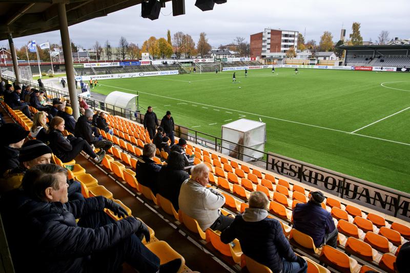 Noin kaksi kolmasosaa KPV:n kotipelin yleisöstä pitää Keskuskenttää parhaana paikkana jalkapalloilulle tulevaisuudessakin.