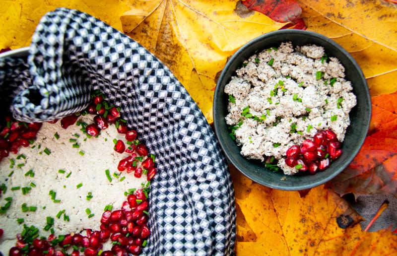 Kasvismaidoilla on vuosisatojen taakse ulottuvat perinteet. Tällä kertaa teemme vegaaneille maistuvia perinteikkäitä ruokia.